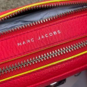 Marc Jacobs Bags - Marc Jacobs The Softshot 21 Crossbody Camera Bag